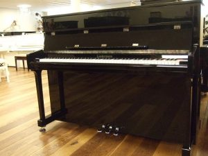 liedermann piano 112 classic zwart hoogglans chroom open