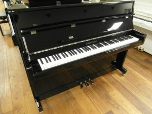 liedermann piano 112 modern zwart hoogglans chroom open