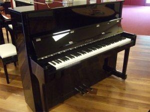 feurich piano 122 zwart hoogglans chroom open