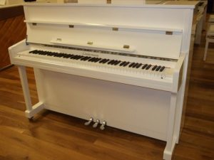 liedermann piano 112 classic wit hoogglans chroom open